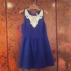 Blue Kenzie dress- sizeM with lace detail